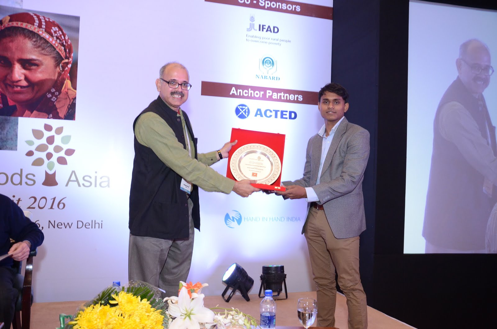 TERI University student win Sitaram Rao Livelihood Asia case study competition 2016'